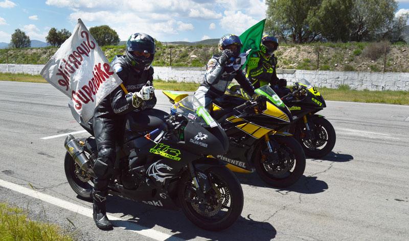 Superbike nuevamente brindó un espectáculo de primera
