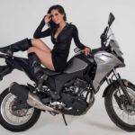 Stefani Elizarraras representa a México en las pasarelas de Moto Fashion