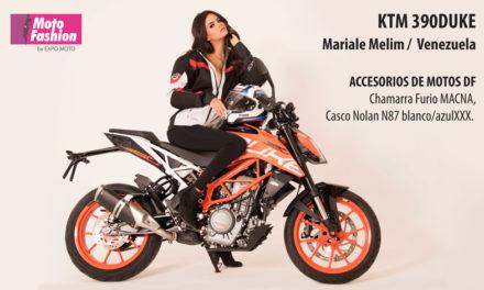La KTM 390 Duke, un vanguardista diseño naked que hace destacar la belleza de Mariale Melim