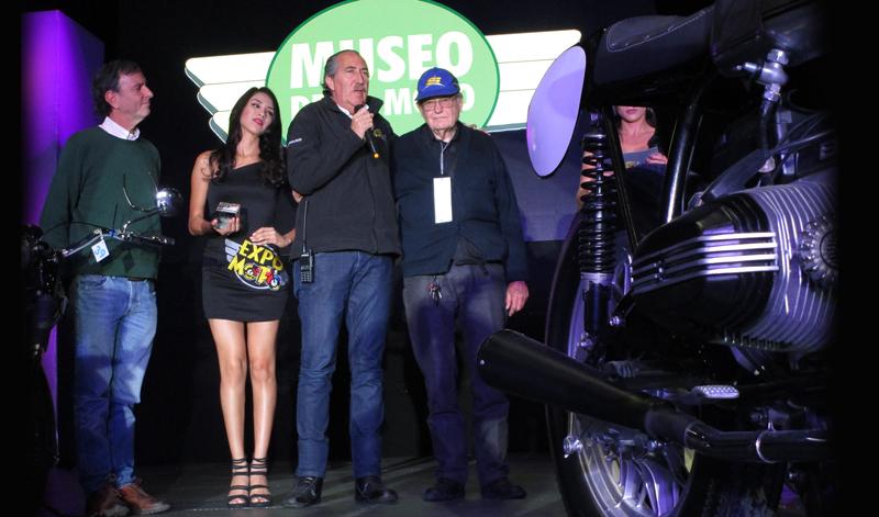Se reconoce la labor de personalidades del Club de Motos Antiguas de México en la décimo octava edición de Expo Moto
