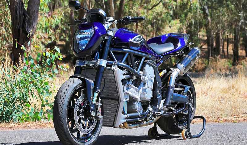 Yamaha R1, dos motores hacen de esta motocicleta una furia al rodar