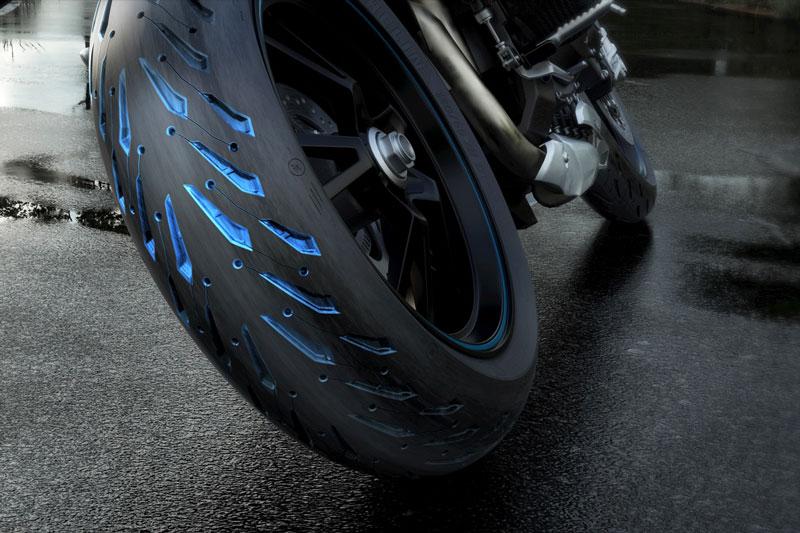 regresa al camino con las nuevas michelin pilot road 5 motociclo. Black Bedroom Furniture Sets. Home Design Ideas