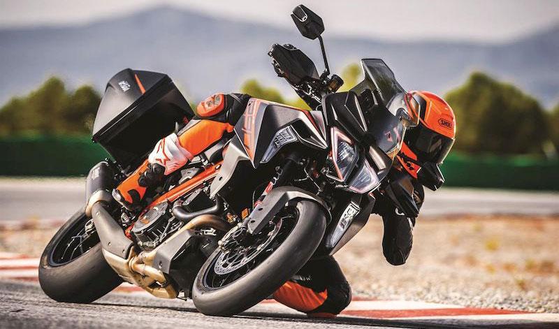 Conquista el camino con las nuevas KTM 1290 Super Duke GT y R