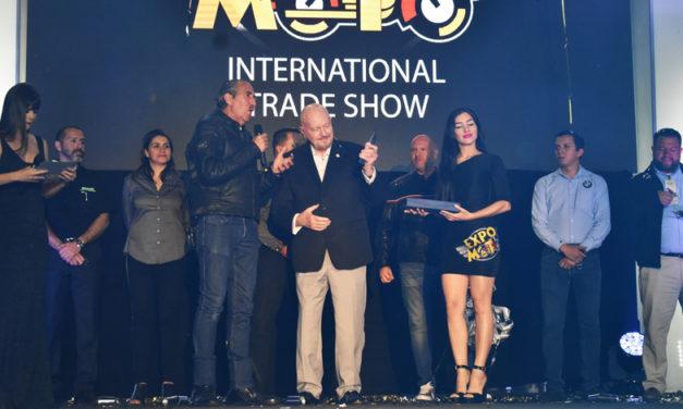 Importantes personalidades del medio del motociclismo fueron galardonadas en el mejor escenario