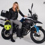 Italika te conquistará en Expo Moto con su nueva gama de motocicletas y equipos, incluido su modelo VX250 EFI,  con la cual la guapa Nathaly Colvara tuvo el gusto de posar en su sesión fotográfica