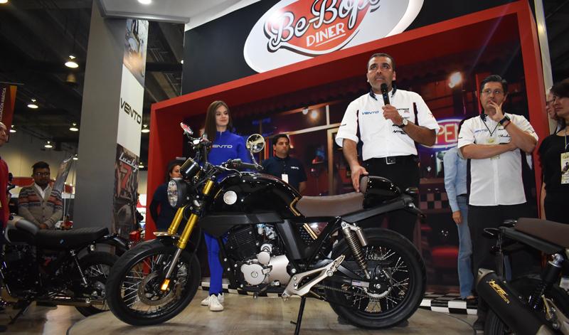 Vento Se Encuentra De Fiesta Tras Presentar En Expo Moto