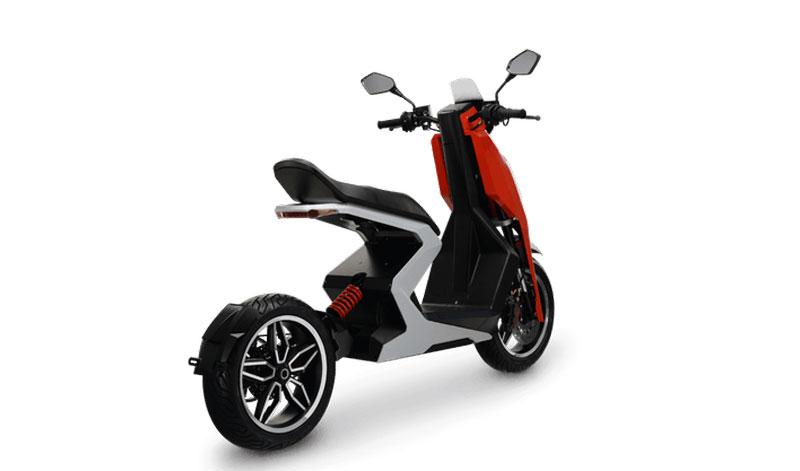 Conoce el nuevo y poderoso scooter eléctrico que intenta a apoderarse del motociclismo urbano