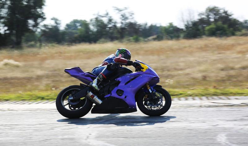 Scott Nájera deslumbró en el cierre de temporada número 30 del Superbike México