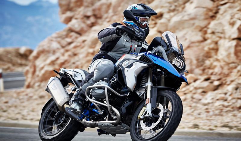 Al más puro estilo BMW: una moto híbrida  con dos o más motores eléctricos