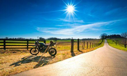 Rodar con tu moto en clima cálido