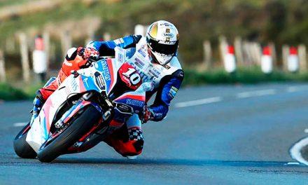Peter Hickman ganador de la RST Superbike Race del TT 2019