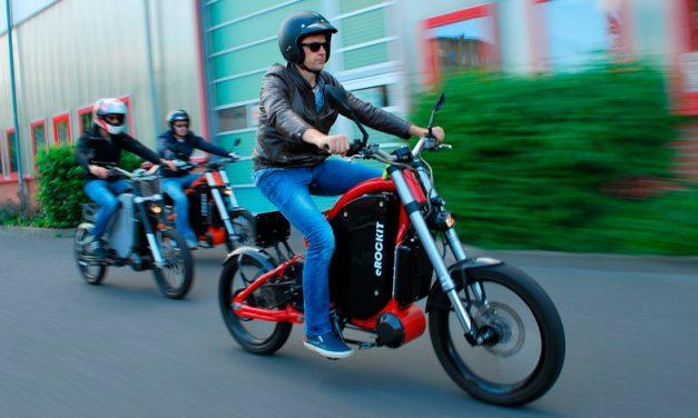¿Motocicleta con pedales?, ¡es real!