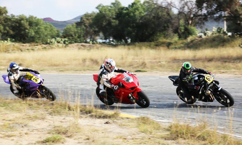 Expo Moto presente en el Superbike de Bosques del Ángel