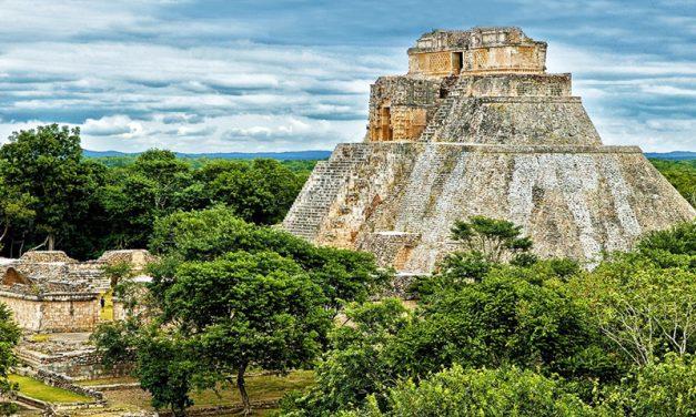 Uxmal, ciudad ancestral envuelta en jungla y misterio