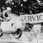 John Surtees, el Campeón de dos y cuatro ruedas.