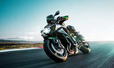 La marca verde sorprende con la Kawasaki Z H2 2020