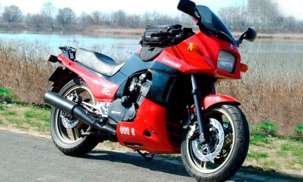 Kawasaki GPZ 900R Ninja