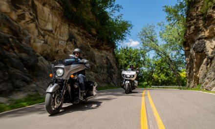 """La nueva Chieftain Elite 2021 de Indian Motorcycle combina potencia sin precedentes con un estilo atrevido inspirado en el movimiento """"Custom"""""""